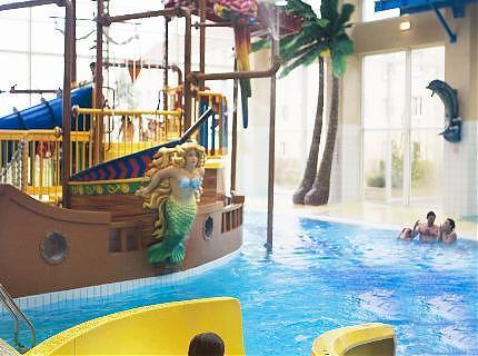 Hotel explorers disneyland resort paris 3 50 avenue de - Explorer hotel paris swimming pool ...